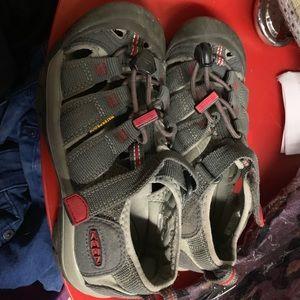 Boys KEEN waterproof sandals hiking size 1